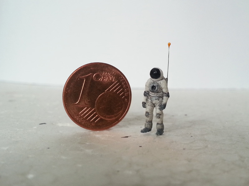 astronaut01.jpg